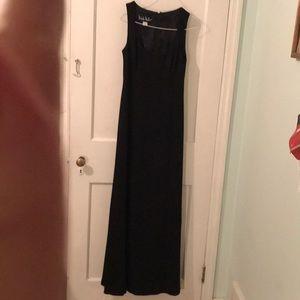 Nicole Miller black long dress sz 8 lined slinky
